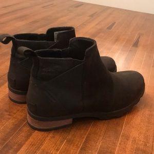 Waterproof black booties